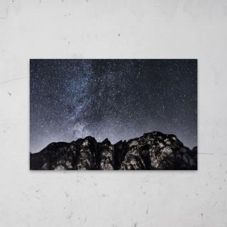 Dark Mountains Bright Stars op Aluminium