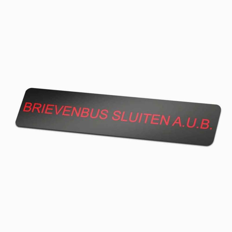Brievenbus sluiten AUB zwarte achtergrond
