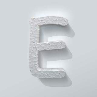 Piepschuim Letter E Comic Sans